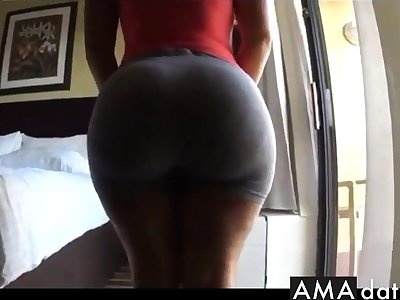 Thick juicy bubble butt un tight grey spandex