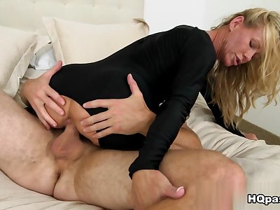 Levi Cash, Simone Sonay in So sexy Movie