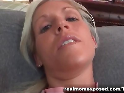 Pretty mom Vanessa on fishnet spreading pussy