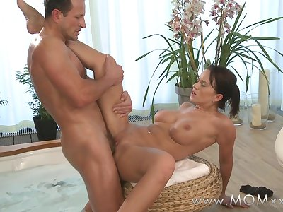 Mom xxx: Couple make love in a hot tub