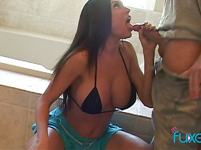 Smoking hot busty get hitched Kiara Cole goes unrestrained above firm dong with the addition of gets facial