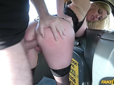 Holly Hug takes John's cab encircling a X-rated black lingerie set