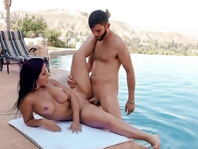 Super milf porn by the pool with Rose Monroe
