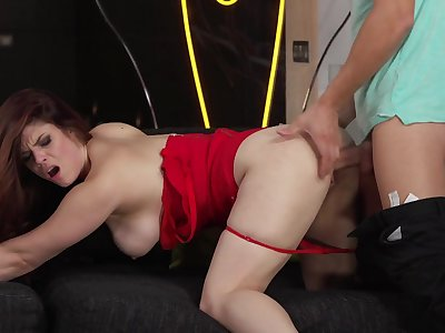 Busty slut screams with the whole dick in her fanny