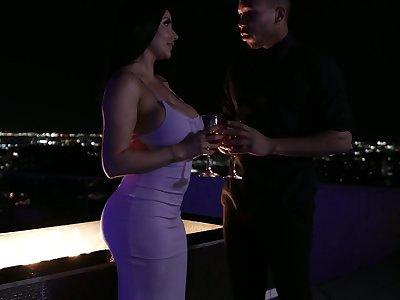 Awesome romantic fuck late at night on the roof with elegant Romi Rain