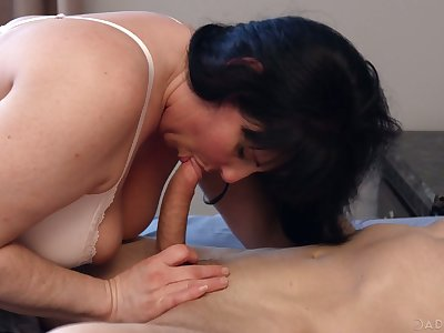 Torrid Canadian nympho Falicha Karr is into clamminess fixed missionary fuck