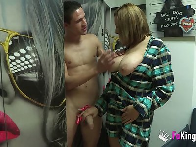 Amateur heavy mature Nuria MILF fucked in home porn video