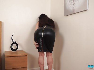 Lose one's train of thought leather dress says come fuck me now and jizz all over my phat ass