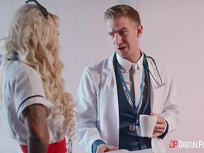 Beauteous doctor Alessandra Jane spreads their way hands for penetration