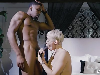 Muscular man takes good sadness of obese ass mature's warm pussy and tits