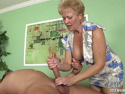 Blonde short haired mature sucks a dick homologous to it is her last