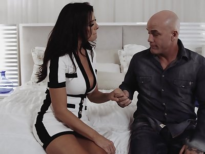 Zealous nicely abound Reagan Foxx loves when bald stud fucks her missionary