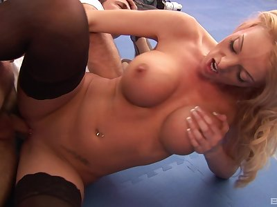 Stacked tease Antonia Deona gets along to good dicking she was appetite