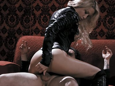 Erotic shagging between a large dick dude and hot ass jessica drake