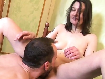 William fucks an housewife not far from her kitchen