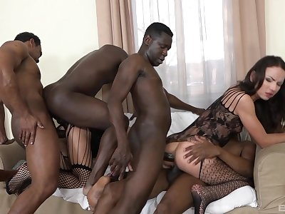 Running anal gang bang for two amateur babes surpassing vivacity