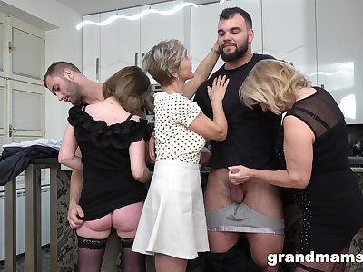 Foursome fucking on get under one's floor with two opprobrious mature amateurs