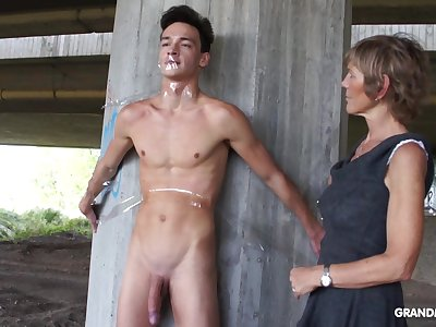 Nympho granny sucks a big cock of tied up essential cadger
