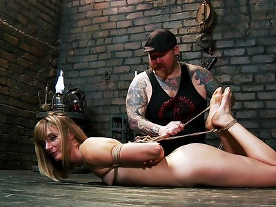 Unbelievable slave training session for submissive Mona Wales