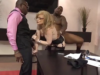 Nina Hartley paradigmatic pornstar fucked by 2 blacks