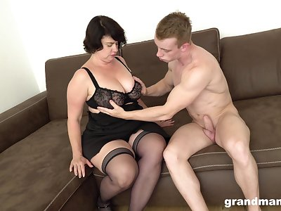 Mature chubby woman picks up young guy for cash