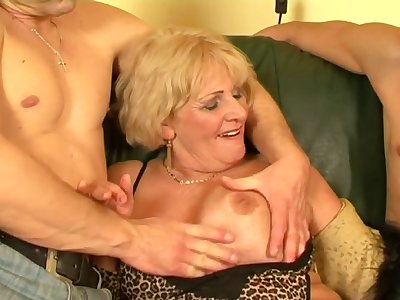 Old slut hot sexual relations - Secret be required of the happy granny