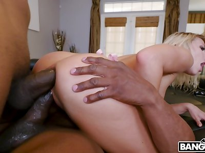 Two treacherous jocks bangs anus with an increment of pussy of esurient nympho Adriana Chechik