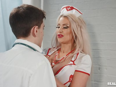 Young doc and hot nurse Brooklyn Downcast hook up relative to the workplace